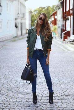 Bomber jacket and ripped jeans. Cool back to school outfits for highschool girls.