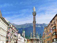 Isn't this a #beautiful view from the old town of #Innsbruck? You can see the mountains almost everywhere! This was taken in summer. Usually Innsbruck is known a skitown but you should definitely visit it in summer as well - as you can see!   Ist das nicht ein wunderschöner Blick von der Inssbrucker Altstadt? Man kann die Berge fast überall sehen! Das Bild habe ich im Sommer gemacht. Eigentlich ist Innsbruck ja eher als ein Skigebiet bekannt aber man sollte der Stadt auch im Sommer einen…