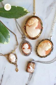 Carved Flower Necklace Burgundy Cream Brass Vintage 1980s