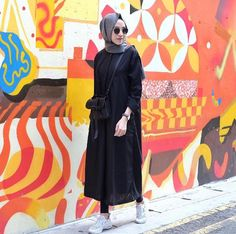 Really love her outfit.. cek her on instagram @/ameliaelle
