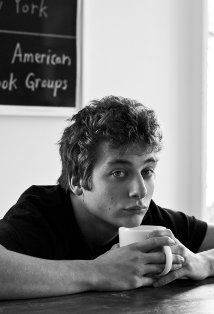 "Phillip ""Lip"" Gallagher on Shameless, played by Jeremy Allen White Jeremy Allen White, Beautiful Men, Beautiful People, Beautiful Babies, Ian And Mickey, White Lips, Love Lips, Dane Dehaan, Raining Men"