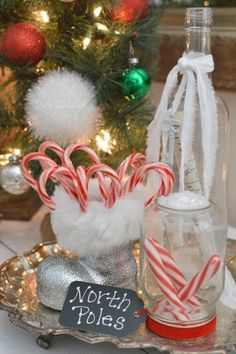 Candy Cane Holiday - home tour at Fox Hollow Cottage