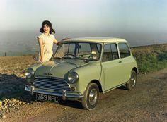 Morris Mini Cooper 1961 launch model