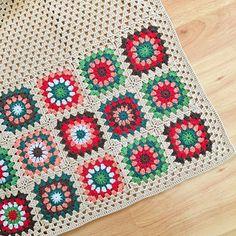 Fotoğraf açıklaması yok. Crochet Granny, Knit Crochet, Knitting Patterns, Crochet Patterns, Yarn Bombing, Crochet Woman, Crochet Cardigan, Crochet Projects, Diy And Crafts