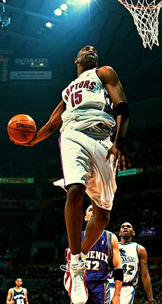 Vince Carter in Raptors Basketball Pictures, Love And Basketball, Basketball Legends, Sports Basketball, Sports Pictures, Basketball Players, Toronto Raptors, Nba Stars, Sports Stars