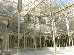 Interior del Palacio de Cristal en el Parque del Retiro