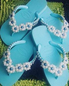 Custom Slippers - Custom Slippers You are at the right place Beaded Beads, Beaded Shoes, Beaded Jewelry, Craft Stick Crafts, Diy And Crafts, Bling Flip Flops, Crochet Flip Flops, Shoe Makeover, Decorating Flip Flops