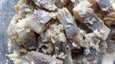 Śledź z chrzanem Krispie Treats, Rice Krispies, Cheese, Desserts, Food, Tailgate Desserts, Deserts, Meals, Rice Krispie Treats