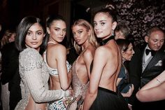 kylie jenner. kendall jenner. stella maxwell. taylor hill❤️✨