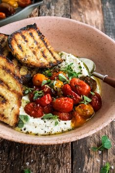 Whipped Feta with Roasted Tomatoes - The Original Dish - Sie sind an der richt. Whipped Feta with Roasted Tomatoes - The Original Dish - Sie sind an der richtigen Stelle für . Crockpot Recipes, Cooking Recipes, Healthy Recipes, Keto Recipes, Keto Desserts, Recipes Dinner, Chicken Recipes, Tofu Recipes, Healthy Chicken