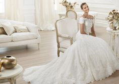 Pronovias presents the 'Letour' wedding dress. Costura 2014. | vintage inspired bride
