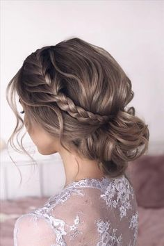 Pretty Prom Hairstyles With Long Hair Easy To Copy In 2020 - At the most an. - Pretty Prom Hairstyles With Long Hair Easy To Copy In 2020 – At the most anticipated prom, t - Prom Hairstyles For Long Hair, Medium Bob Hairstyles, Homecoming Hairstyles, Loose Hairstyles, Bride Hairstyles, Dance Hairstyles, Best Wedding Hairstyles, Protective Hairstyles, Medium Hair Styles