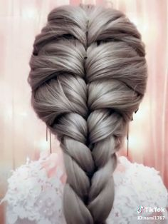 ル 【ロ ン グ】 単 編 み 込 み ス ル イ - Косы Frisuren hochzeit Easy Hairstyles For Long Hair, Up Hairstyles, Cool Girl Hairstyles, Girls Braided Hairstyles, French Plait Hairstyles, Cool Hairstyles For School, Beautiful Hairstyles, Medium Hair Styles, Curly Hair Styles