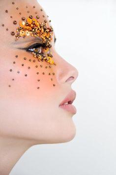 gold sequin starburst eyes