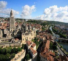#Périgueux is een stad met een rijke geschiedenis, en is gelegen in het departement #Dordogne. Lees alles over #Périgueux op #Zonnigzuidfrankrijk.nl!