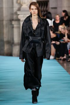 Off-White, Look #17