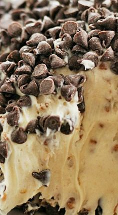 Peanut Butter Crunch Cheese Ball