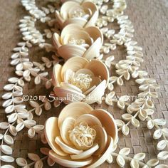 Exceedingly captivating quilling creations by artist Sayali Khedekar. Monochromatic masterpiece of white quilling paper flowers. Quilling Images, Paper Quilling Flowers, Neli Quilling, Paper Quilling Designs, Quilling Patterns, Quilling Cards, Quilling Ideas, Origami, White Paper Flowers