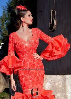 Guadalupe moda flamenca, somos diseñadores y fabricantes de trajes de flamenca y confeccion de flamenca malaga