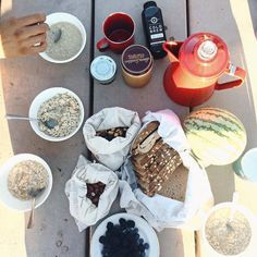 A zero waste breakfast at Joshua Tree with @callmeflowerchild  Ms. Zero Waste @callmeflowerchild