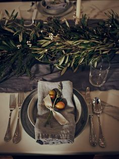A Guide to Chic Holiday Entertaining With EyeSwoon's Athena Calderone - Gallery… Fall Inspiration, Dark Interiors, Decoration Table, Centerpiece Ideas, Thanksgiving Table, Tabletop, Wedding Table, Rustic Wedding, Tablescapes
