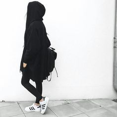 Loving this casual look . totally me Hijab Fashion, Korean Fashion, Fashion Outfits, Womens Fashion, 90s Fashion, Girl Fashion, Tumblr Outfits, Girl Outfits, Cute Outfits