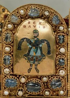 Closeup view of the King David Plate of the Imperial Crown of the Holy Roman Empire. Royal Jewels, Crown Jewels, Royal Crowns, Roi David, Ottonian, Byzantine Gold, Black King And Queen, Imperial Crown, Holy Roman Empire