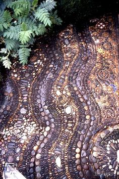 морской орнамент из гальки