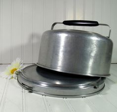 Mid Century Cake Carrier - Vintage Mirro Aluminum Locking 1950s - Shabby Chic Metal Bakery Keeper