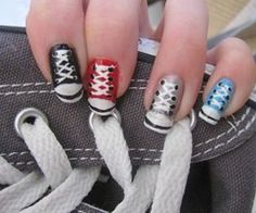 adorable. to bad I could only ever do this to my left hand.