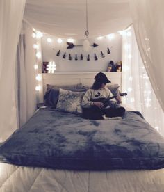 Girls bedroom makeover - Teen Girl Bedroom Makeover Ideas DIY Room Decor for Teenagers Cool Bedroom Decorations Dream Bedroom Teen Bedroom Makeover, Bedroom Diy Teenager, Teenager Rooms, Bedroom Makeovers, Teenager Girl, Teen Bedroom Designs, Bedroom Themes, Bed Designs, Cool Room Designs