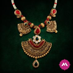 The antique lustre, vibrant colours and a traditional, yet unique design promises you the spotlight, wherever you go.