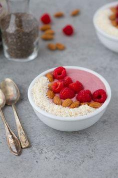 Keto Raspberry Breakfast Pudding Bowl #keto #lowcarb