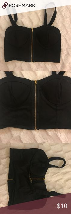 Black Zipper Crop Top Size Medium Only worn once!! Super cute crop top. Size medium. The straps are adjustable there are 2 button holes on the straps so you can make the straps longer or shorter. Tops Crop Tops