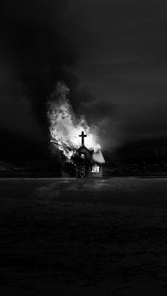 art oscuro Lords of Chaos Phone Wallpaper Gothic Aesthetic, Witch Aesthetic, Aesthetic Art, Aesthetic Pictures, Whats Wallpaper, Goth Wallpaper, Grunge Photography, Dark Photography, Black Aesthetic Wallpaper
