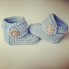Angels handmade with love: Baby Booties gratis haakpatroon vertaald! gehaakte baby slofjes schoentjes uggs