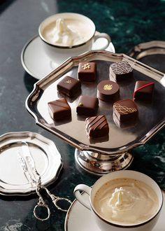 Coffee and chocolates Chocolate Shots, Chocolate World, Chocolate Dreams, Death By Chocolate, I Love Chocolate, Chocolate Ice Cream, Chocolate Coffee, Homemade Chocolate, Chocolate Lovers