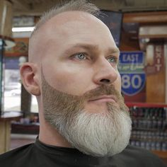 Haircuts For Men With Thin Hair - Haircuts Ideen Long Beard Styles, Hair And Beard Styles, Short Hair Styles, Bald Beard Styles, Bald With Beard, Thick Beard, Tapered Beard, Beard And Mustache Styles, Beard No Mustache