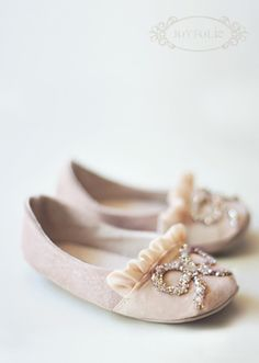 I know these are for little ones....but aren't they soooo cute? Love Joyfolie's shoes!!!!