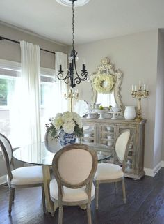 Cool 70 Beautiful French Country Dining Room Decor Ideas https://decorecor.com/70-beautiful-french-country-dining-room-decor-ideas