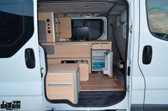 Opel Vivaro – Van Dream Madrid F35, Opel Vivaro Camper, Toyota Hiace Campervan, T5 Caravelle, Build A Camper Van, Van Conversion Interior, Renault Master, Campervan Interior, Van Life