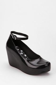Black wedges, by Mel shoes