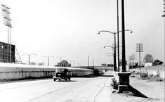 Viaducto Cruce con Av. Cuauhtémoc, a, la izq. el Parque del IMSS.1950s.