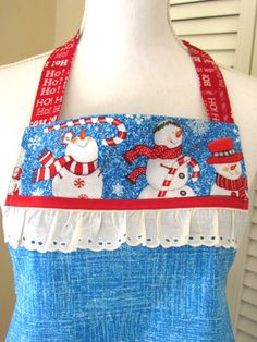 Snowman Apron Women's Red and Blue Christmas Print with Pocket Full Bib Christmas Aprons, Blue Christmas, Christmas Snowman, Christmas Baking, Work Aprons, Cute Aprons, Retro Apron, Aprons Vintage, Sewing Crafts