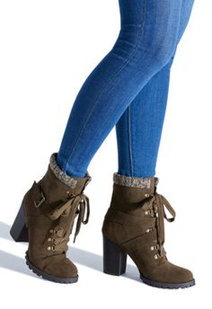 Boots & Booties for 2019 - JustFab Boot Shop Wedge Sandals Outfit, Shoes Heels Boots, Heeled Boots, Bootie Boots, Fancy Shoes, Cute Shoes, Me Too Shoes, Just Fab Boots, Ugg Style Boots