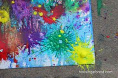 Exploding Art combined with science. Clear film canisters filled with tempera paint and Alka Seltzer tablets = exploding art! Projects For Kids, Art Projects, Space Projects, Crafts For Kids, Arts And Crafts, Family Crafts, Messy Art, Ecole Art, Crafty Kids