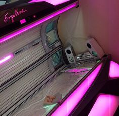 Pink :) tanning bed !