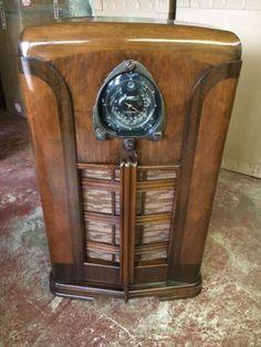 jukebox Swinging doors