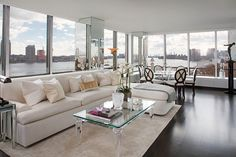 Glamourous Art Deco Apartment in Manhattan, New York. Nice sectional and table