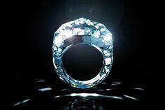 WEB LUXO - ALTA JOALHERIA: Empresa cria um anel único, todo de diamante